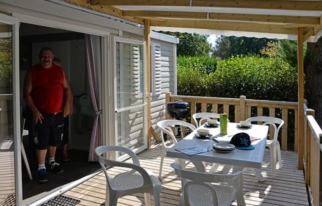 La terrasse couverte du cottage Dolmen PMR