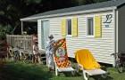 Bains de soleil et salon de jardin