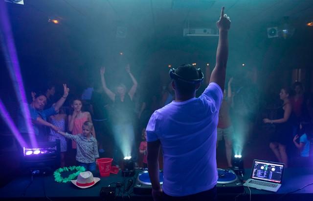 Soirée animée avec le DJ