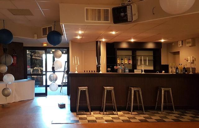 Le bar de la salle de réception