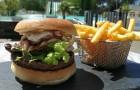 Burger frites en terrasse