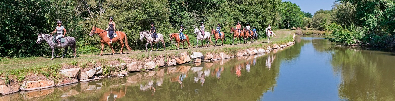 La passion de l'équitation au Centre équestre Mané Guernehué