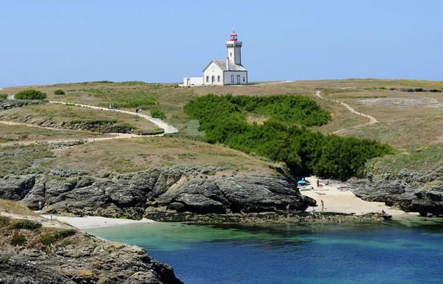 Le phare des Poulains à Belle-Ile photo Yannick Le Gal