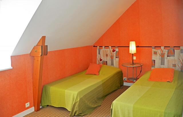 Chambre 2 lits simples du gîte L'Ecurie