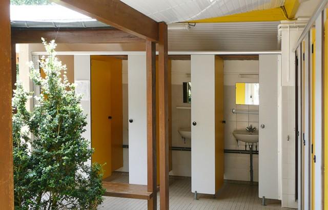 Les sanitaires du camping Mané Guernehué