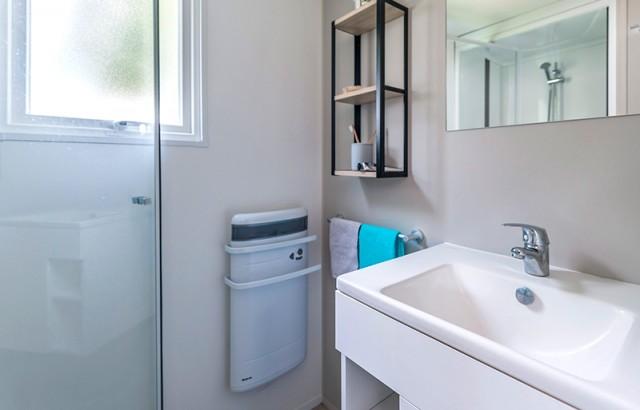 L'une des deux salles de bain du cottage Family
