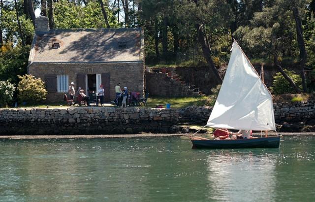 Vieux gréement dans le Golfe du Morbihan devant Sept-iles