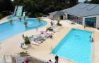 Het outdoor verwarmde zwembaden