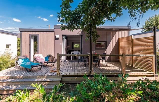 La cottage Patio 4 fleurs et sa terrasse