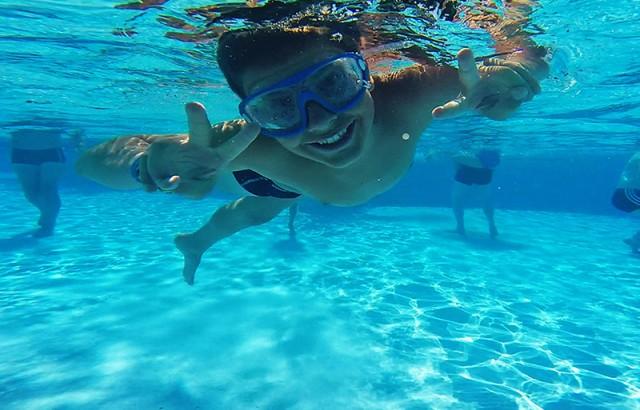 Schwimmen im beheizten Außenpool