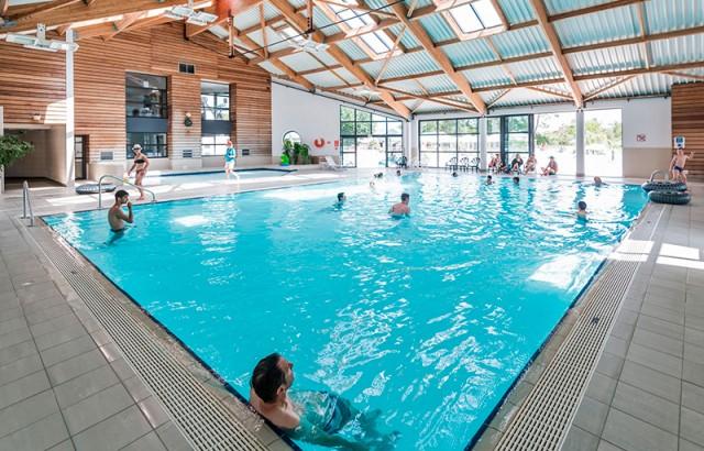 La piscine couverte chauffée à 29°