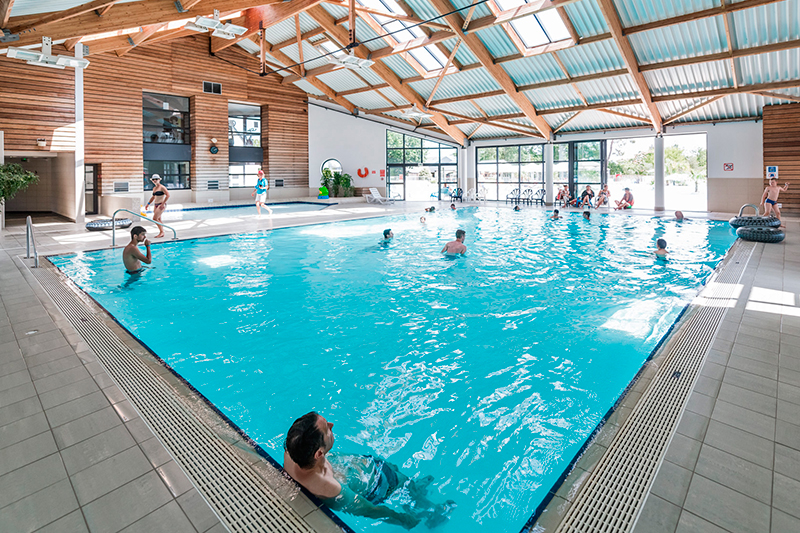 Camping en bretagne avec parc aquatique et piscine morbihan - Camping erdeven avec piscine couverte ...