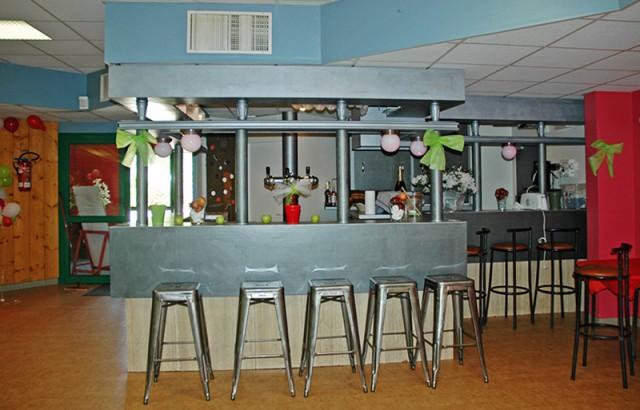 Le bar de la salle Logoden avec tirage pression possible