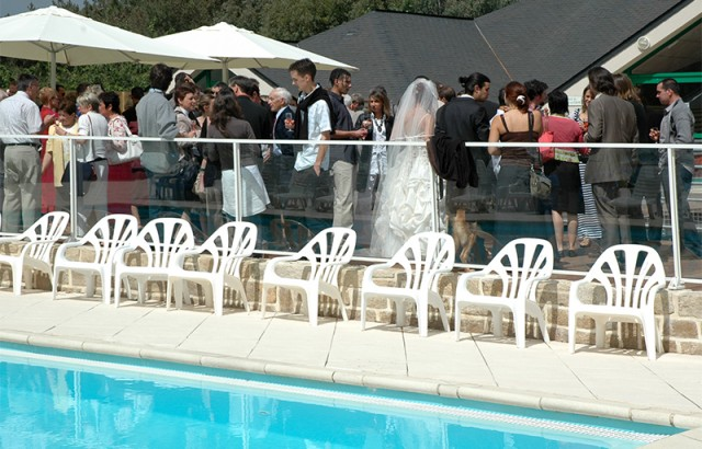 Un cocktail inoubliable en terrasse de la piscine