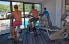 Salle de musculation équipée