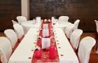 Une jolie décoration personnalisée pour un mariage réussi