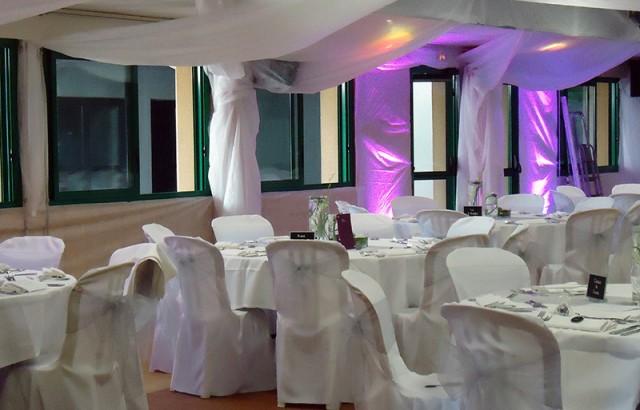 Réception pour un mariage dans la salle Logoden