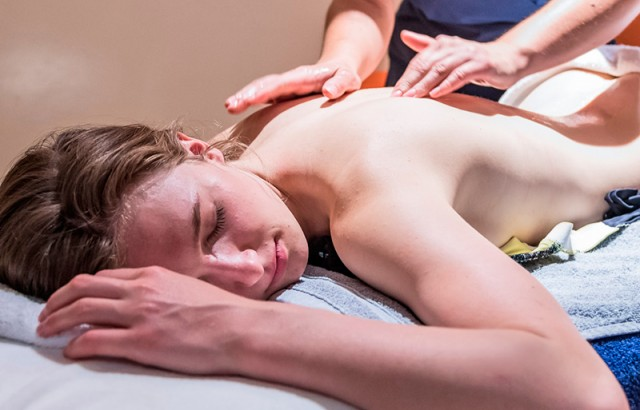 Massage détente au spa