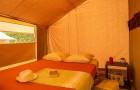 tente-safari-chambre-sejour-800px