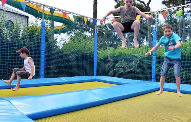 trampoline-800px