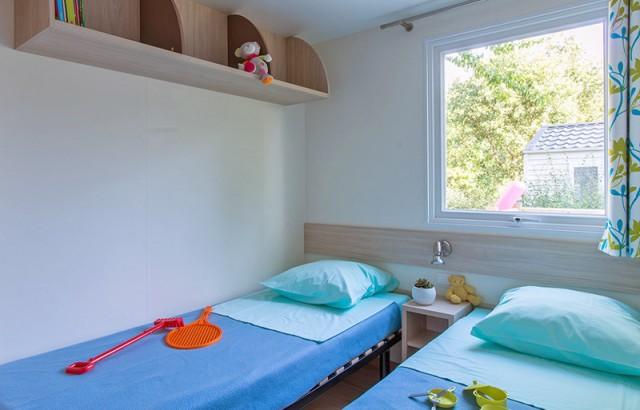 Chambre avec 2 lits simples du cottage Ty Meur