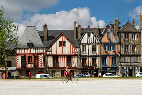 vannes-south-brittany-490px