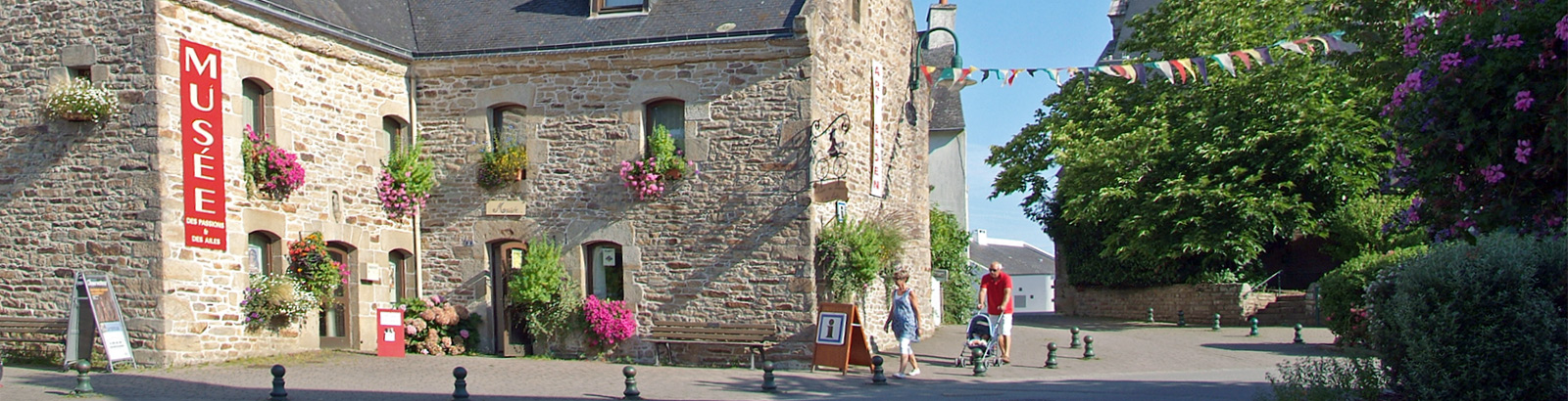 Discover and visit Baden in the heart of the Gulf of Morbihan in South Brittany