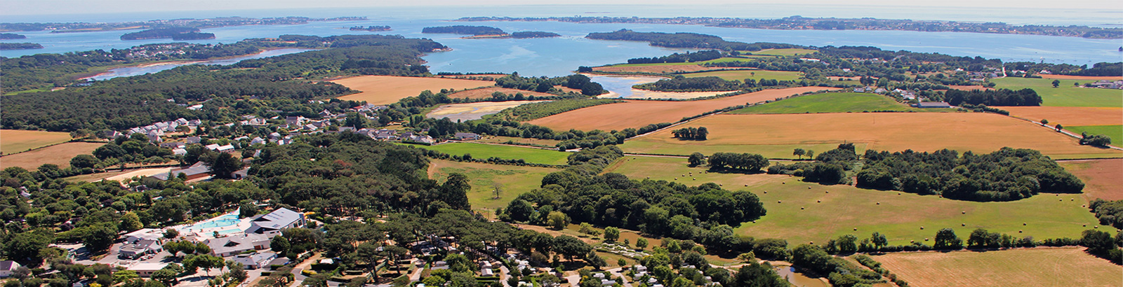 Ideally located in the Gulf of Morbihan