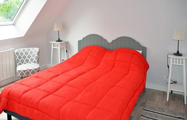 Chambre double lit 160x200cm à l'étage