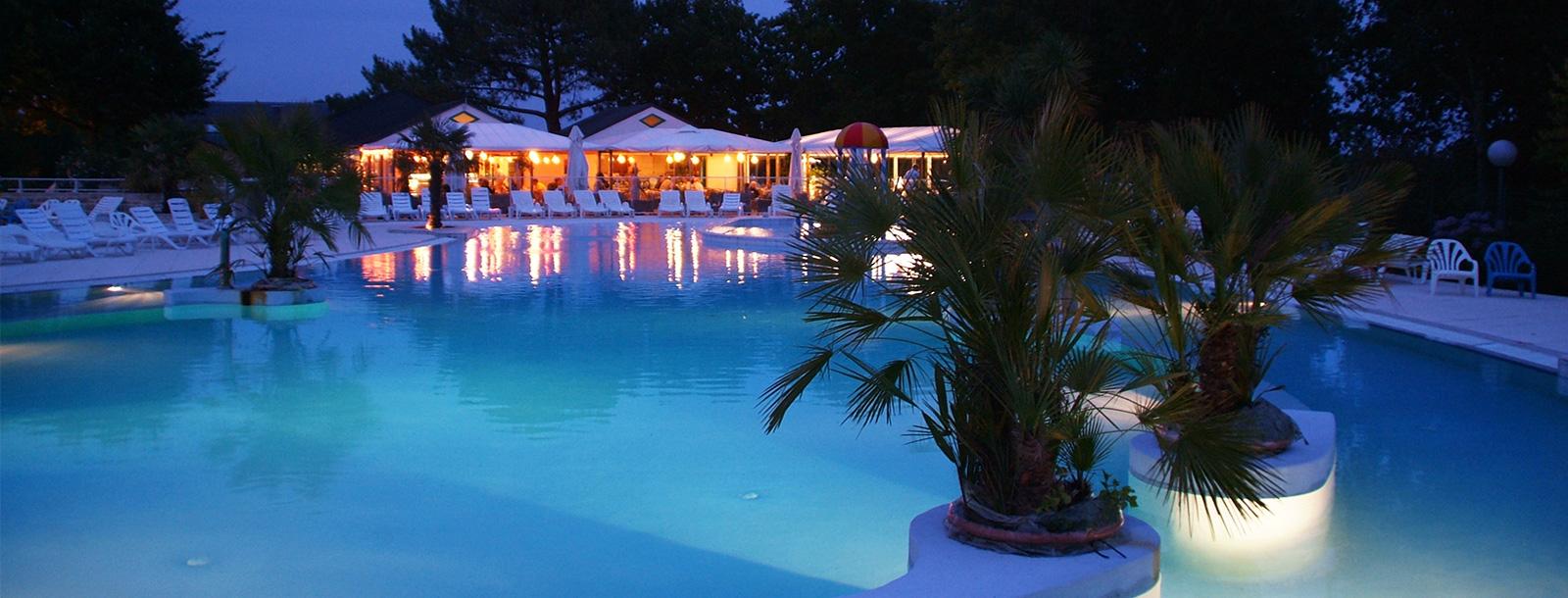 Relax - u in het restaurant bij het zwembad