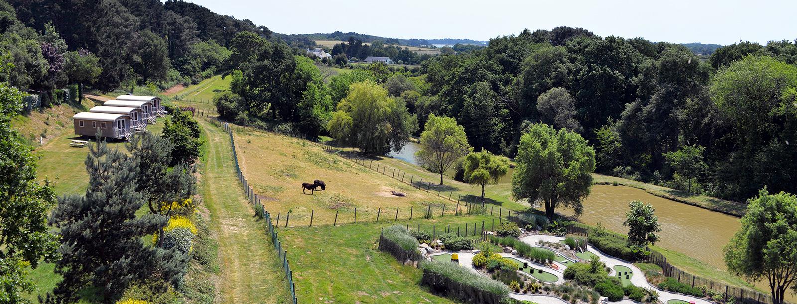 im naturnahen Park auf 20 Hektar