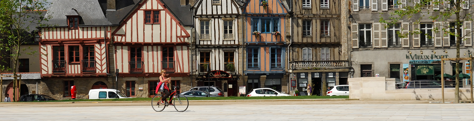 Visit the old city of Vannes