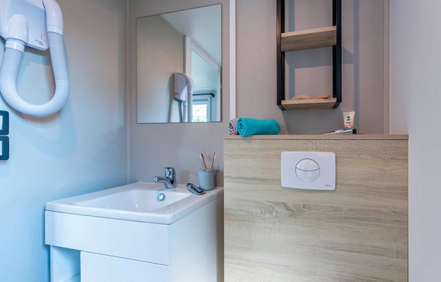 L'une des deux salles de bain
