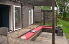 Une grande terrasse avec salon intégré
