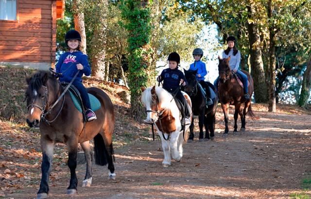 Balade à poney au Centre équestre
