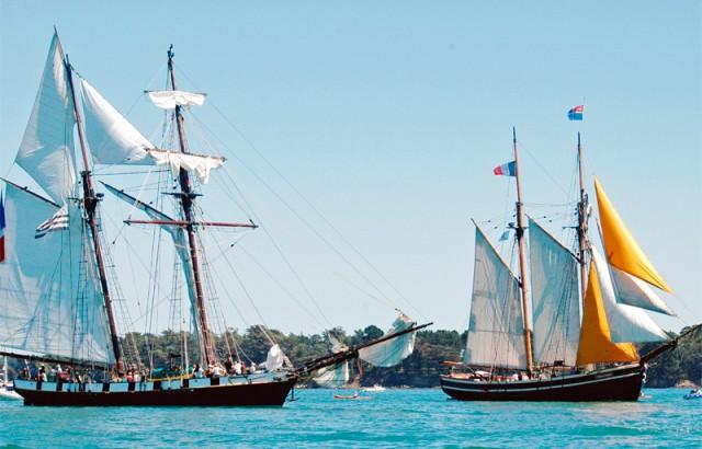 Les bateaux accompagnateurs