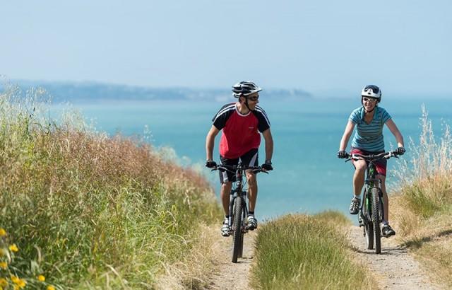Vélo au bord du Golfe du Morbihan