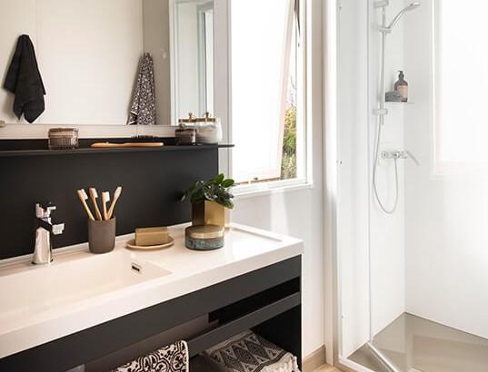 Salle de bain avec grande douche 100x80cm