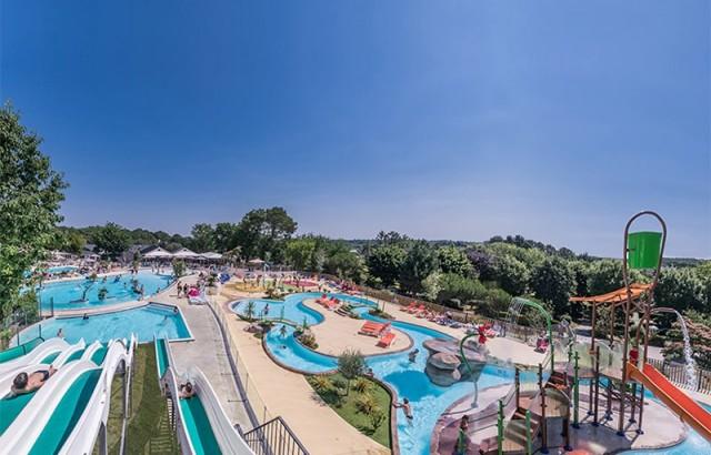 Le parc aquatique du camping Mané Guernehué